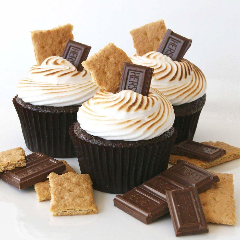 Smore-cupcake-MG_6708esqs