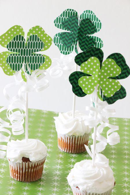 Shamrock-Cupcake-Toppers-1